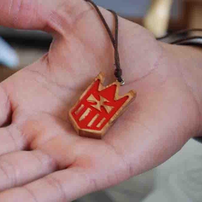 Escudo Mercedario en la mano